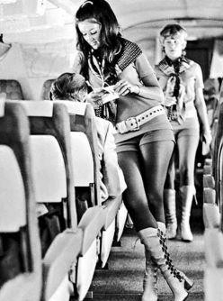 legcsinosabb légi utaskísérők
